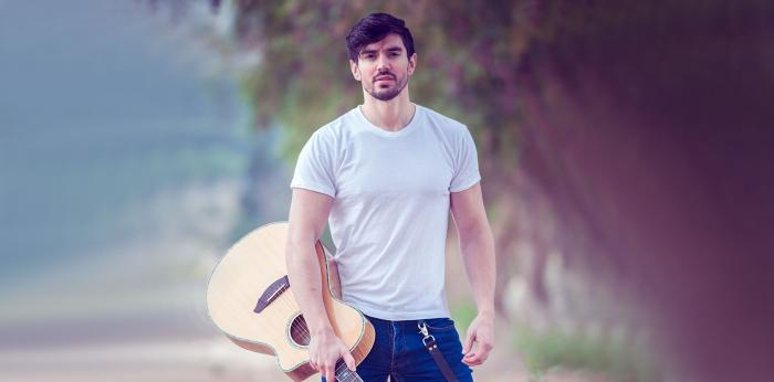 Steve Grand Tweets Globe Emojis when Questioned on His Authenticity