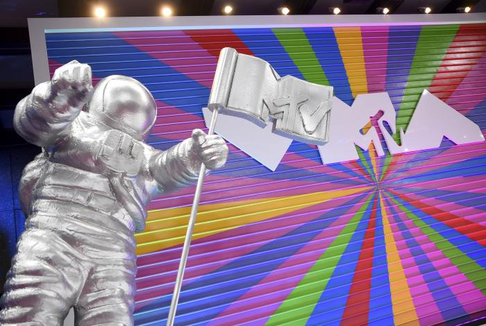 In this Aug. 20, 2018, file photo, an MTV statue appears on the red carpet at the MTV Video Music Awards at Radio City Music Hall in New York. MTV is marking its 40th anniversary with a relaunch of its iconic image of an astronaut on the moon, with an MTV flag planted nearby