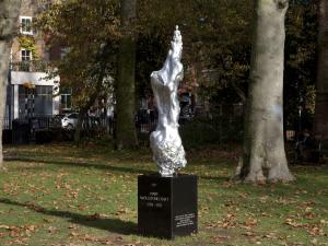Sculpture Celebrating Mary Wollstonecraft Draws Criticism